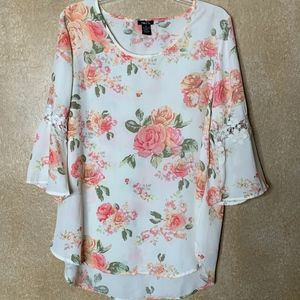 Rue21 | Flowered Blouse with Bell 3/4  Sleeves